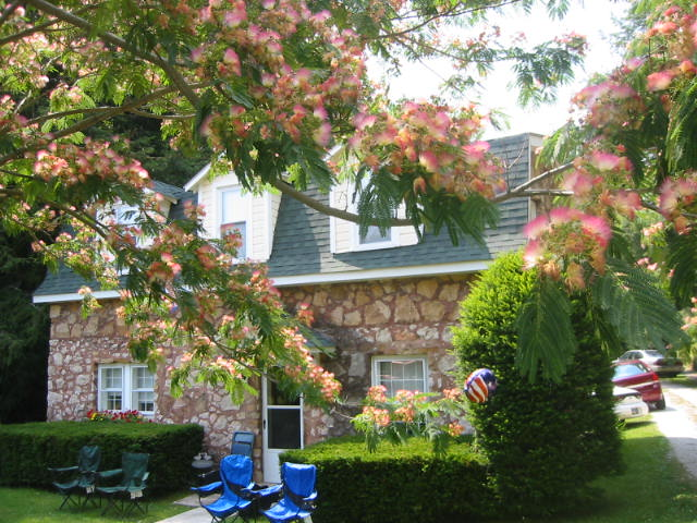 Cobblestone Cottage Bed And Breakfast